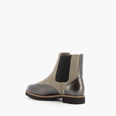 Light grey suede effect Chelsea boots with rubber sole