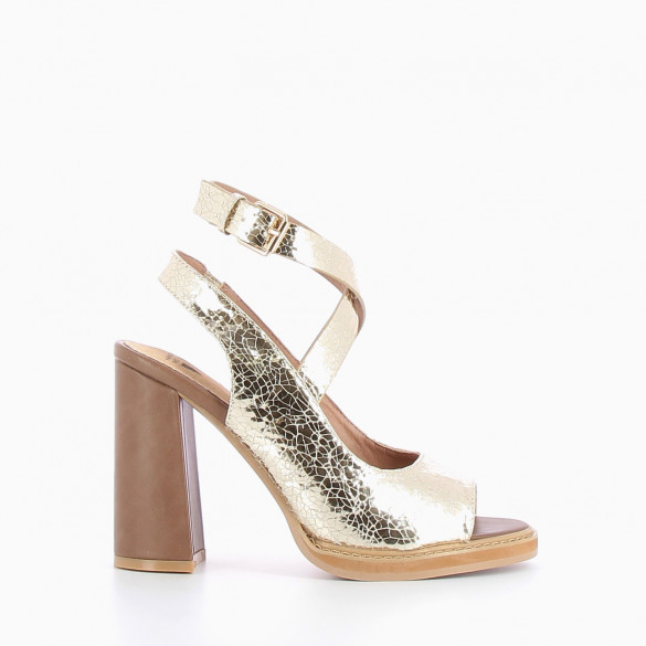 Cracked effect sandals