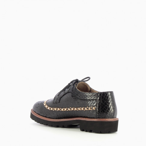 Black brogues with scaled effect