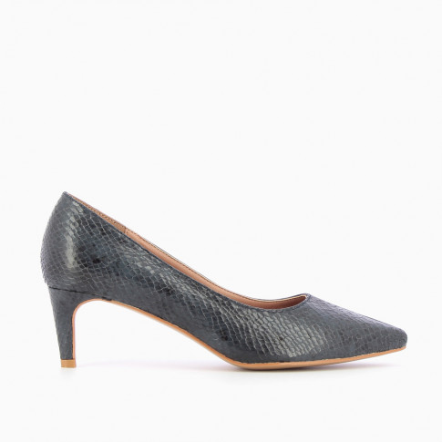 Navy blue bi-material pumps
