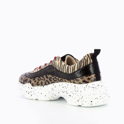 Camel sneakers with overlaid animal prints
