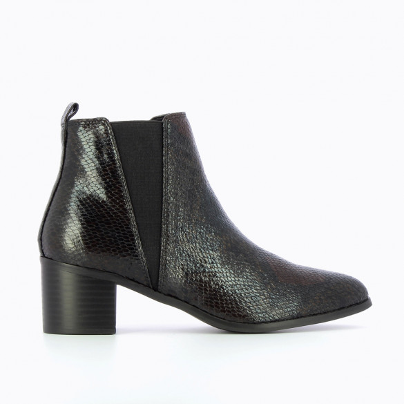 Chelsea boots with gray snakeskin heel