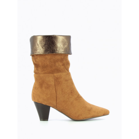 Camel folded-over trim ankle boots