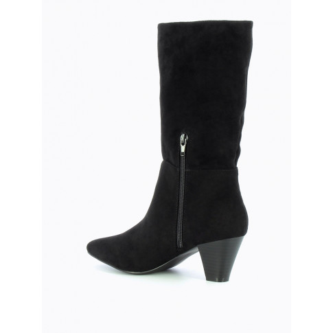 Black folded-over trim ankle boots