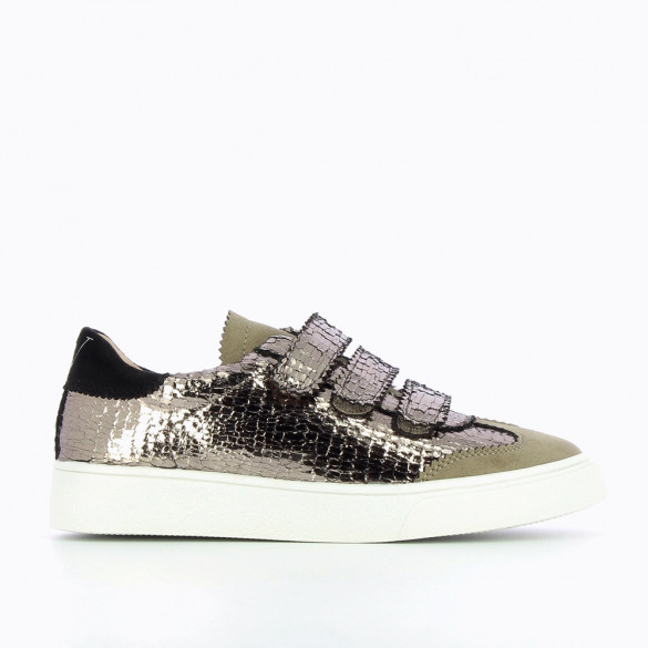 Anthracite sneakers with crackled effect and cutouts in lace