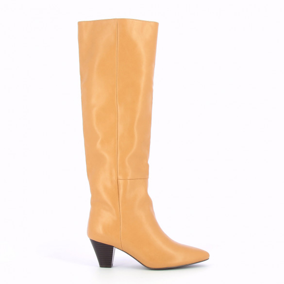 beige boots with small heel and pointed toe woman faux leather Vanessa Wu
