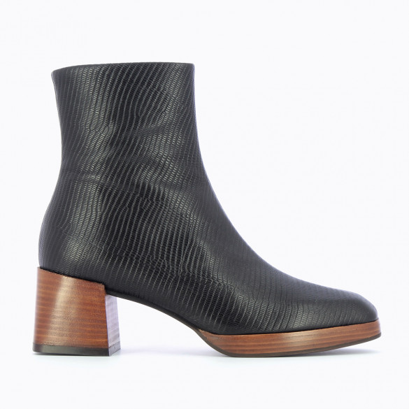 black leather ankle boots woman snakeskin effect Vanessa Wu with heel and platform wood effect