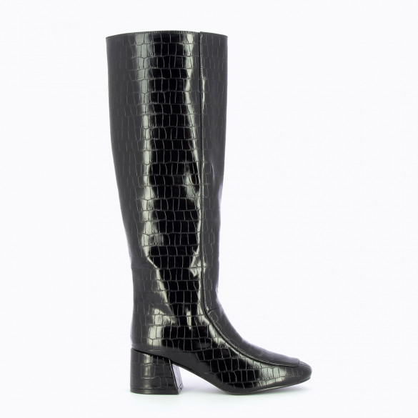 straight boots black patent leather crocodile effect woman Vanessa Wu with topstitch and small heel