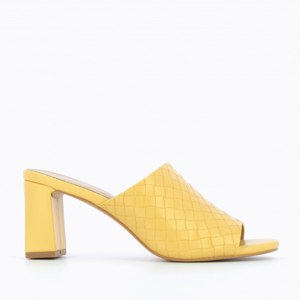 mules nineties yellow with open toe woman Vanessa Wu woven with open toe