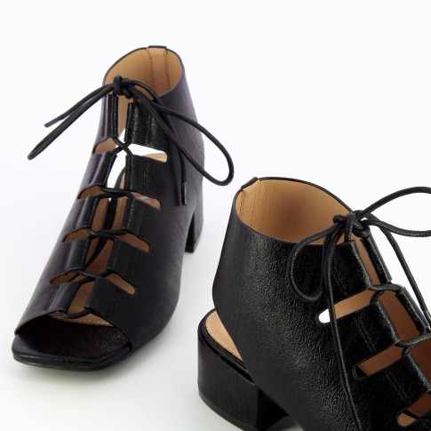 Black sandals with laces