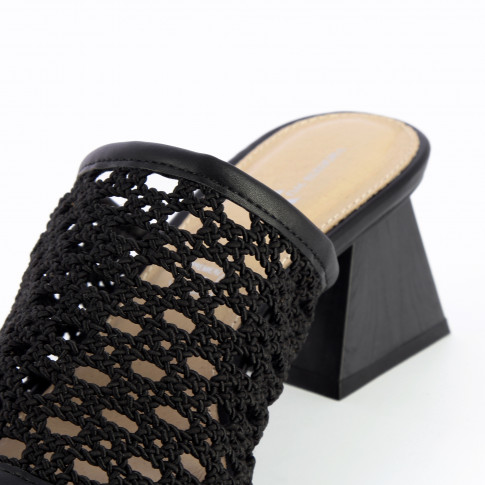 Black mules with heel and caning