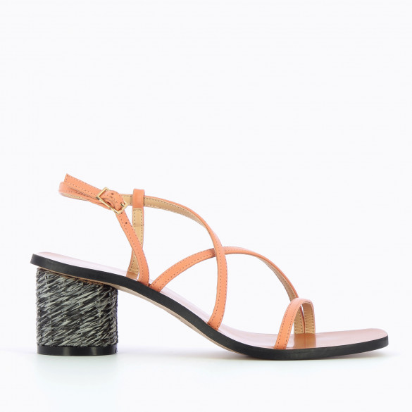 Salmon sandals with fine straps woman Vanessa Wu and round heel raffia effect black and gray
