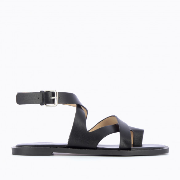 Flat black sandals casual with crossed straps and toe loop woman Vanessa Wu