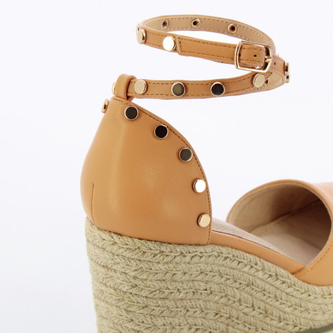 Nude wedge sandals with gold studs