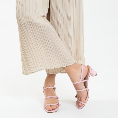 Lilac sandals with ball heel