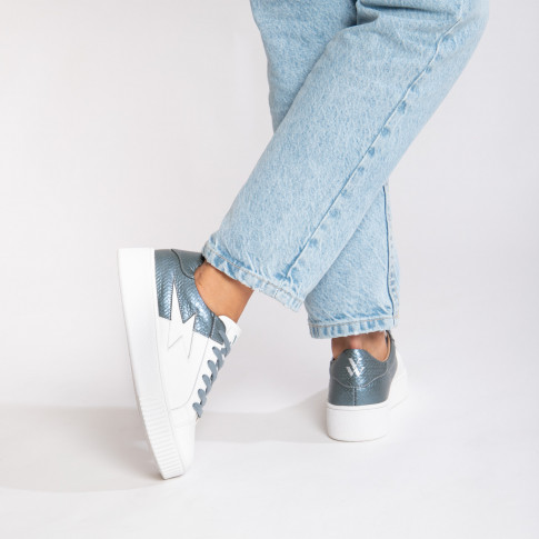 White and petrol blue bimaterial lightning sneakers