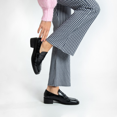 Black croco effect loafers